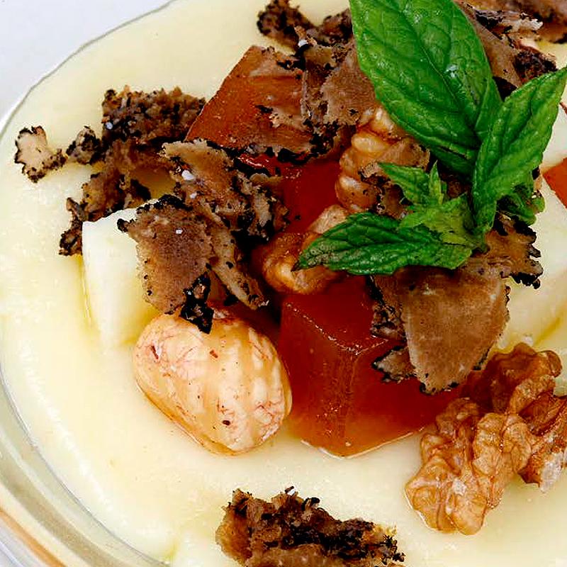 Crema de Gamonéu con frutos secos, dulce de membrillo, trufa y rúcula