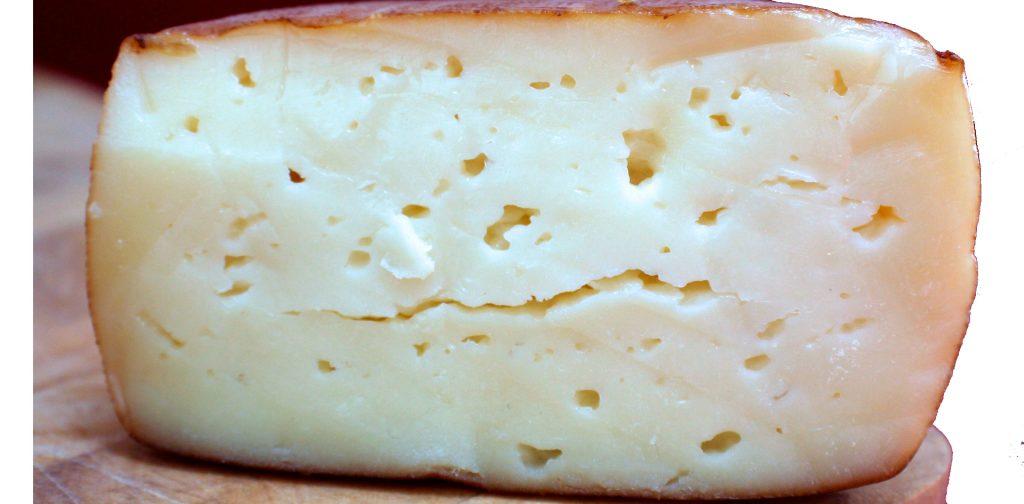 Propiedades y características del queso ahumado de pría